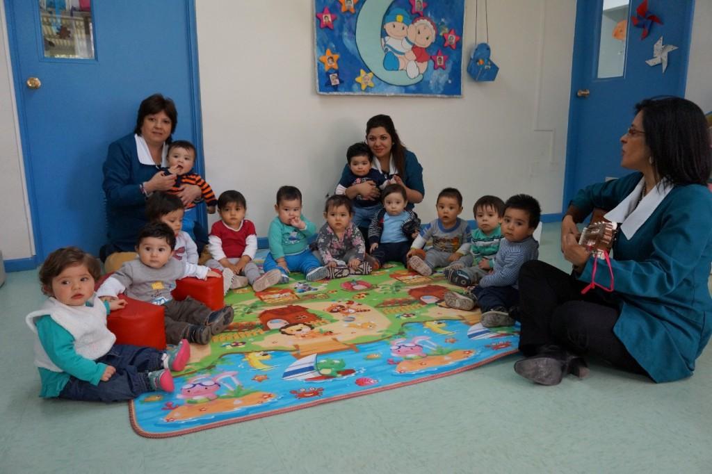Sala cuna uno jardin ufro for Actividades para jardin infantil